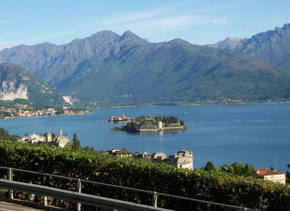 Озеро Lago Maggiore