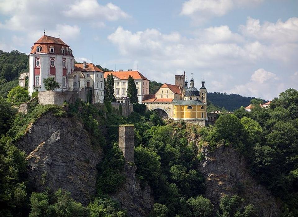 Замок Вранов над Дыей